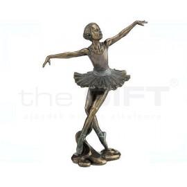 Balett táncos Anyaga: polirezin